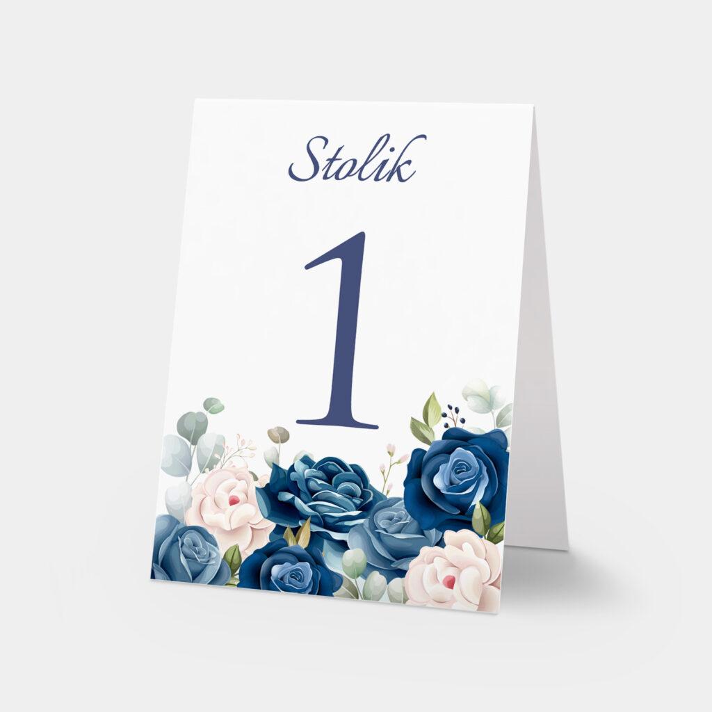 numery stołów niebieskie kwiaty